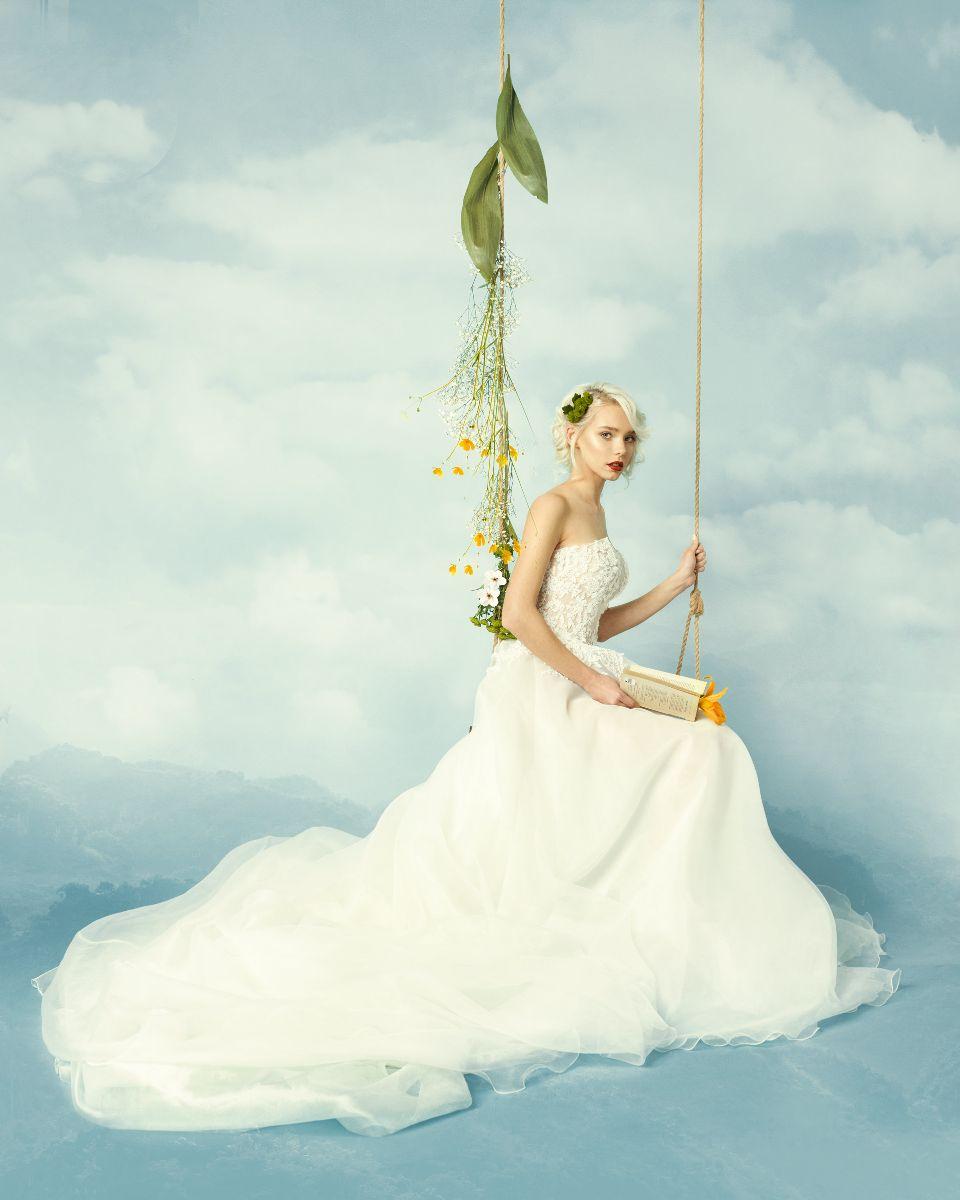 e91653fa72 Lo smoking donna come abito da sposa di La Vie En Blanc Atelier