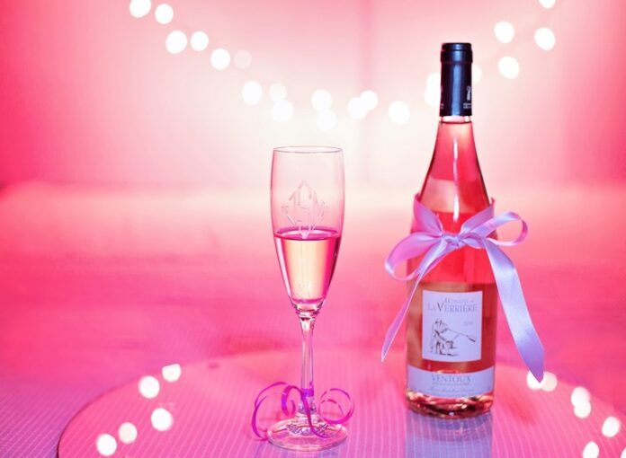 Come organizzare un matrimonio a tema San Valentino