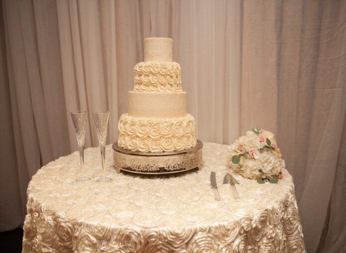 Taglio della torta nuziale
